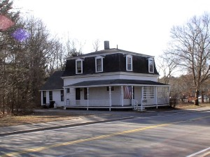 House at 746 Water St., Framingham - Proposed site for new Nobscot Library.